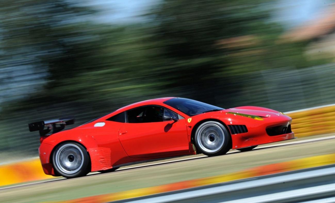 Ferrari in Lamborghini na pistah v Italiji