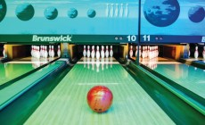 Bowling center Strike
